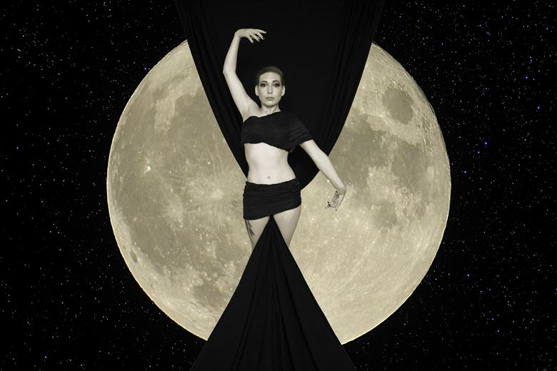 in the moon studio lighting photo by photographer andre