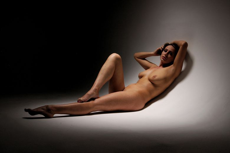 infinity curve artistic nude photo by photographer russb
