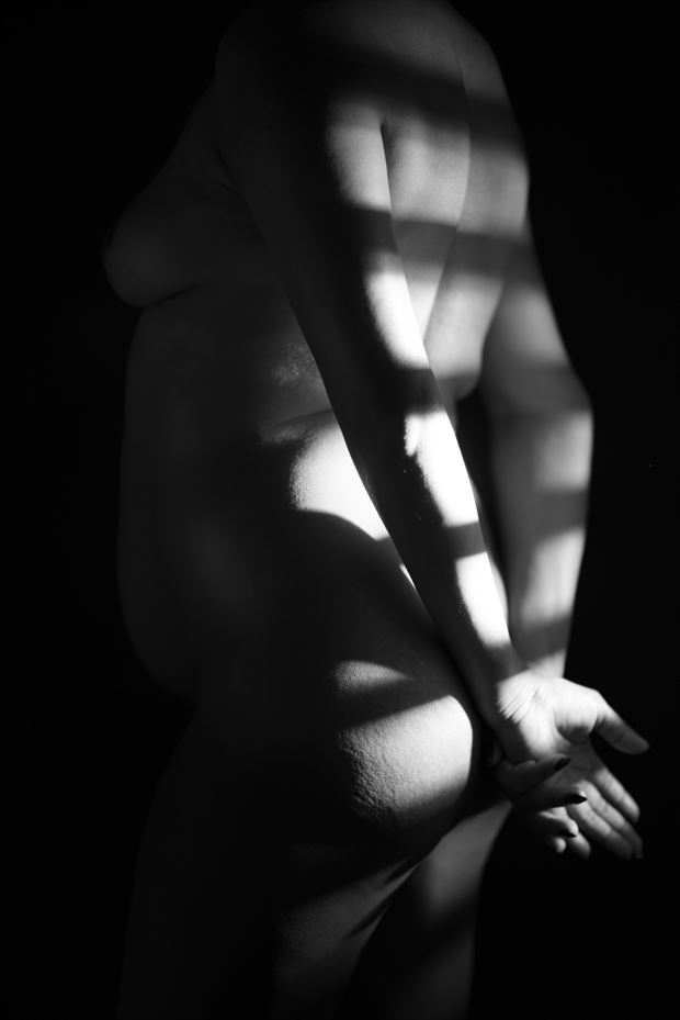 inner radiance series 007 artistic nude photo by photographer redefining realism