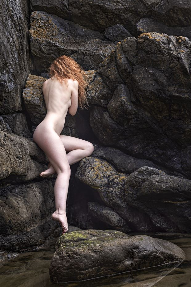 introspection artistic nude photo by photographer niall