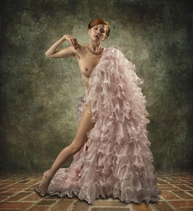 iris hollow glamour photo by photographer tom gore