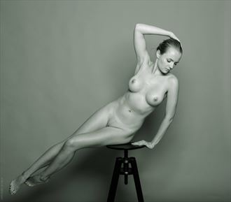 isabella artistic nude photo by photographer bo michal