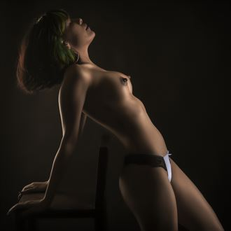 issua artistic nude photo by photographer larbcn