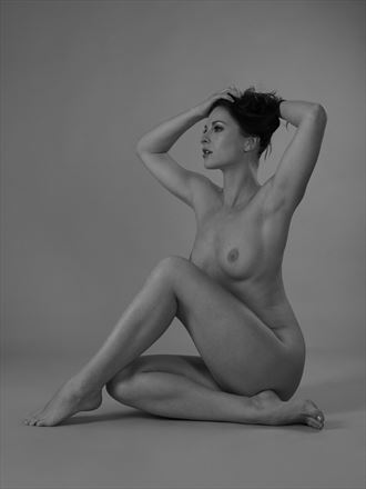 ivana on my studio floor artistic nude photo by photographer anders bildmakare