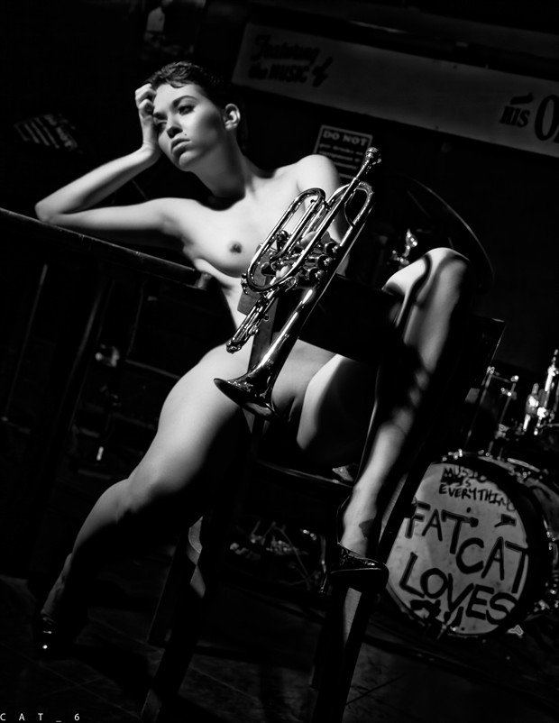 jazz and drink Artistic Nude Photo by Model Desalle