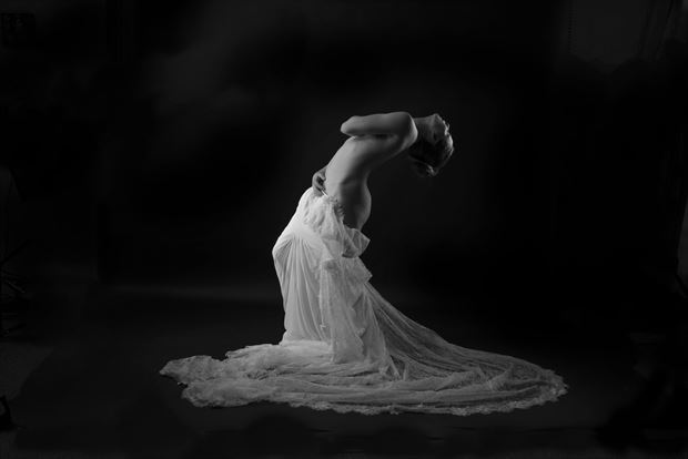 jenna artistic nude photo by photographer linda hollinger