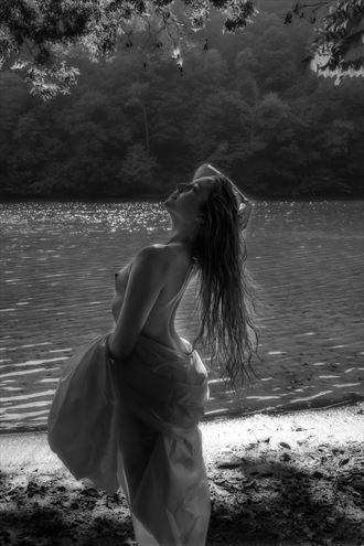 jessie along the shore artistic nude photo by photographer daniel l friend