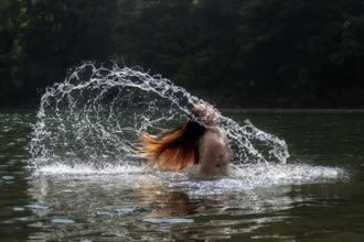 jessie doing hair flip in water artistic nude photo by photographer daniel l friend