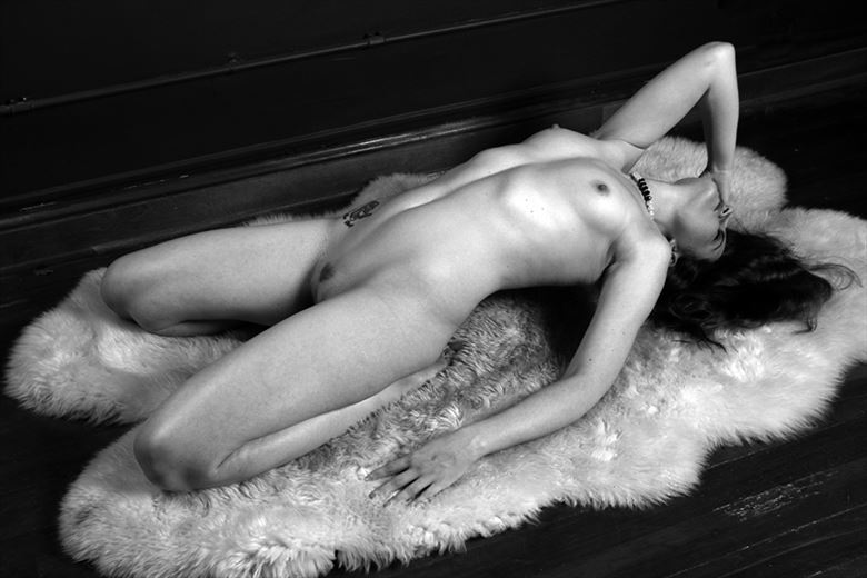 jnl model artistic nude photo by photographer robert l person