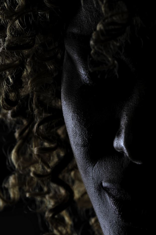 judith portrait photo by photographer josjoosten