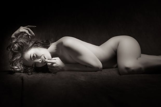 julia 3 artistic nude photo by photographer mountainlight