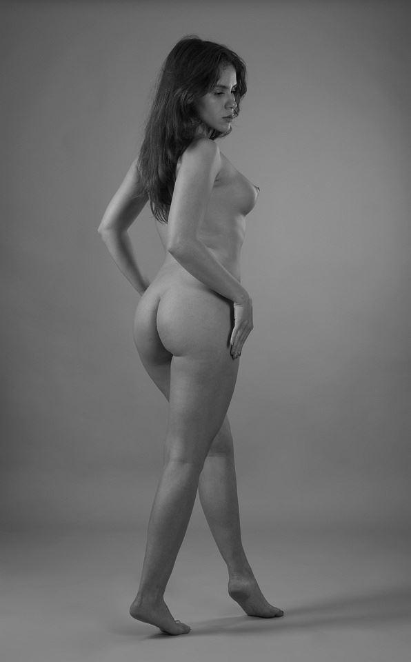 julia artistic nude photo by photographer anders bildmakare