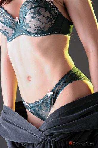 julia lingerie photo by photographer tato morales