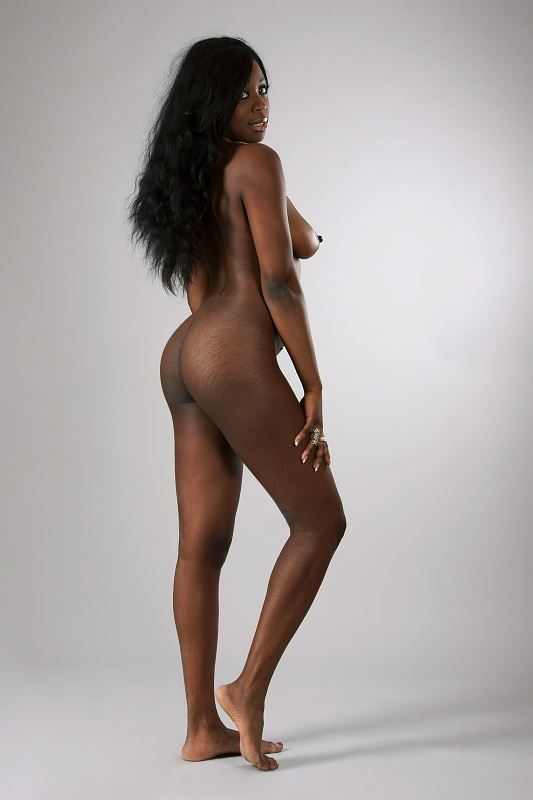 julienne artistic nude photo by photographer anders bildmakare