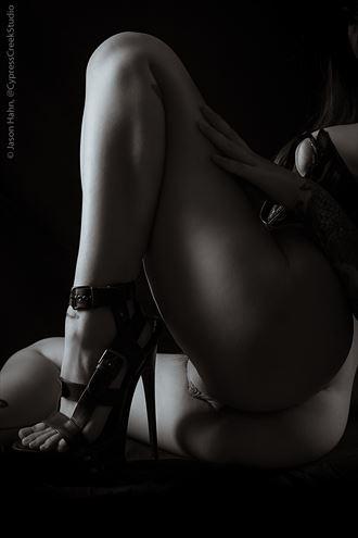 karolina von artistic nude photo by photographer jason hahn