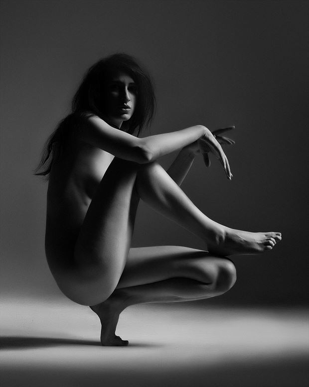 kate snig shadow and light artistic nude photo by photographer kevin stenhouse