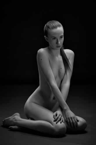katya artistic nude photo by photographer paul misseghers