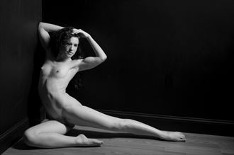 keira 2 artistic nude photo by photographer linda hollinger