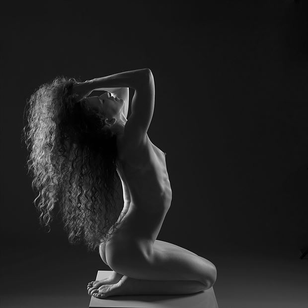 keira 5 artistic nude photo by photographer linda hollinger