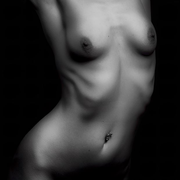 kelly artistic nude photo by photographer dave belsham