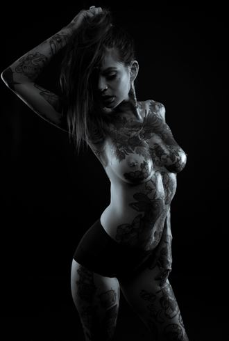kym artistic nude photo by photographer white tiger