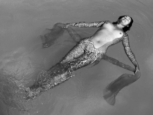 l eau verte 1 artistic nude photo by photographer dick