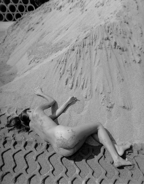 l empreinte pirelli 2 artistic nude photo by photographer dick