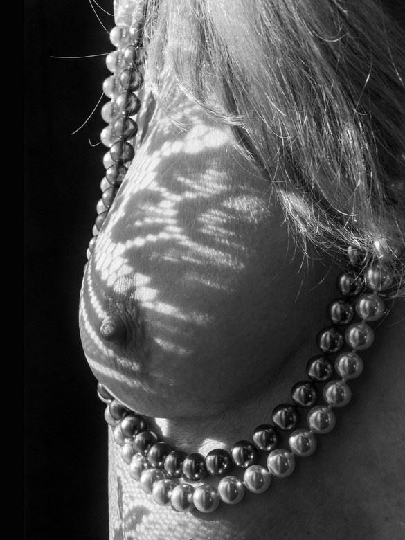 la caresse lumineuse 7 figure study artwork by photographer dick