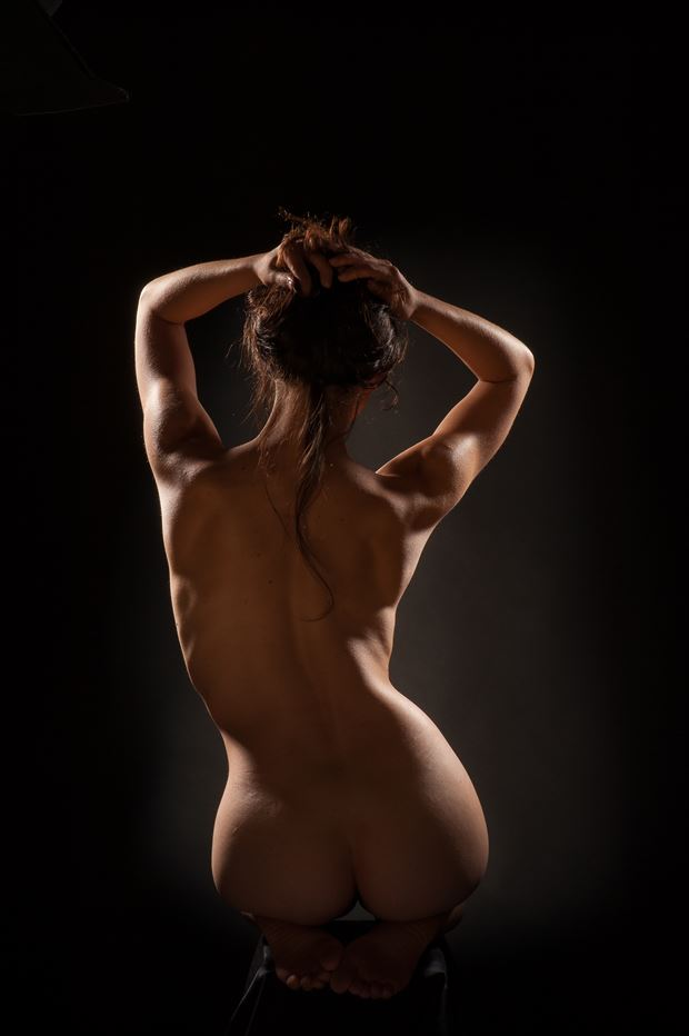 la courbe artistic nude photo by photographer antoine peluquere