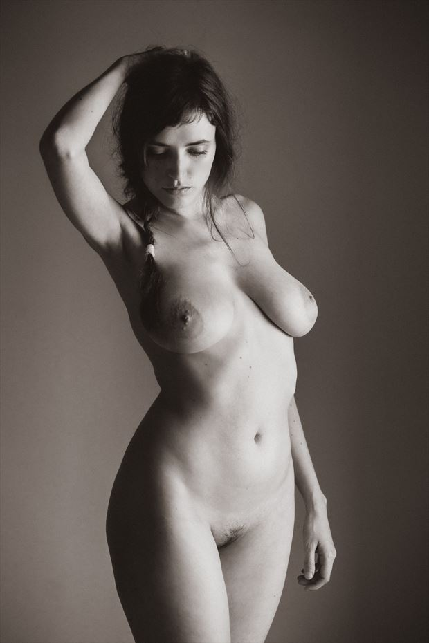 la tresse aimable artistic nude photo by photographer garden of the muses