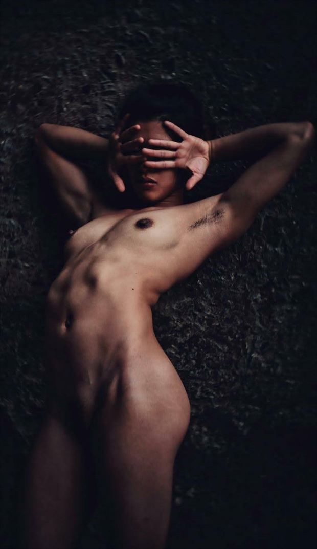 labyrinth artistic nude photo by model ren sakuraba