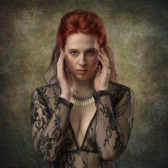 larissa erotic photo by photographer tom gore