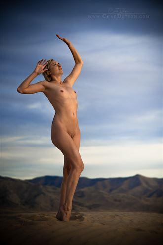 last glimmer artistic nude photo by artist chaddutson
