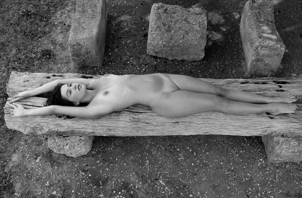 laura in sicily artistic nude photo by photographer stromephoto