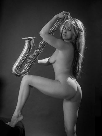 le saxo dor%C3%A9 1 artistic nude photo by photographer dick