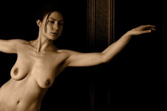 leaning artistic nude photo by photographer jyves