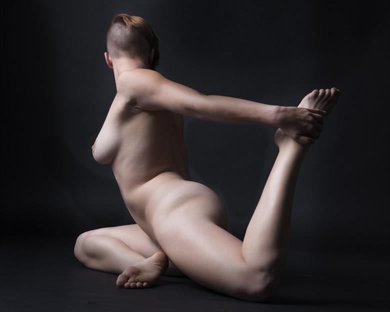 left back Artistic Nude Photo by Photographer Tommy 2's