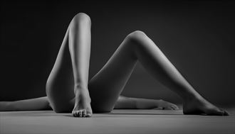 legs artistic nude photo by photographer tommipxls