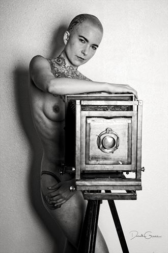leo velo 8664 artistic nude photo by photographer darrell graves