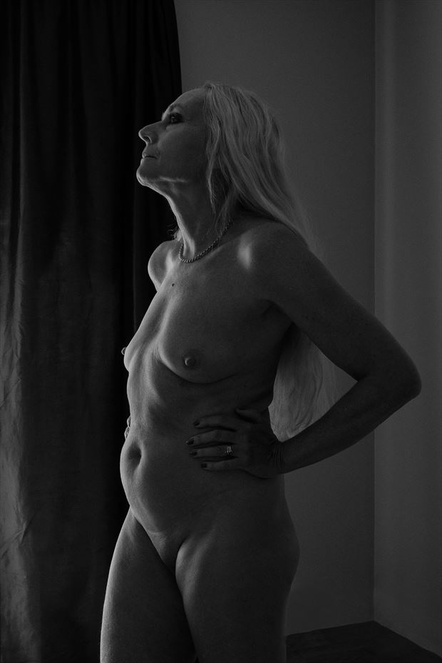 let think to that artistic nude photo by photographer jyves