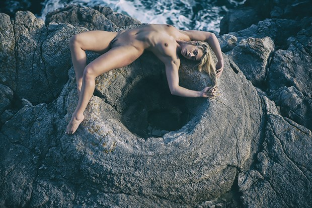 life at the edge of the world Artistic Nude Photo by Photographer imagesse
