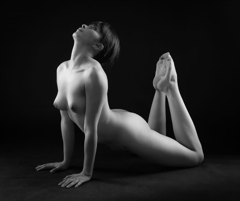 lift artistic nude photo by photographer allan taylor