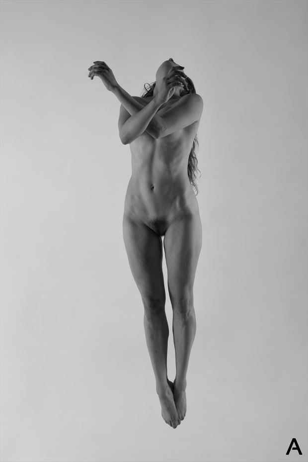 lift off artistic nude photo by photographer apetura