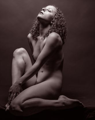 light and shadow 2381 artistic nude photo by photographer gpstack