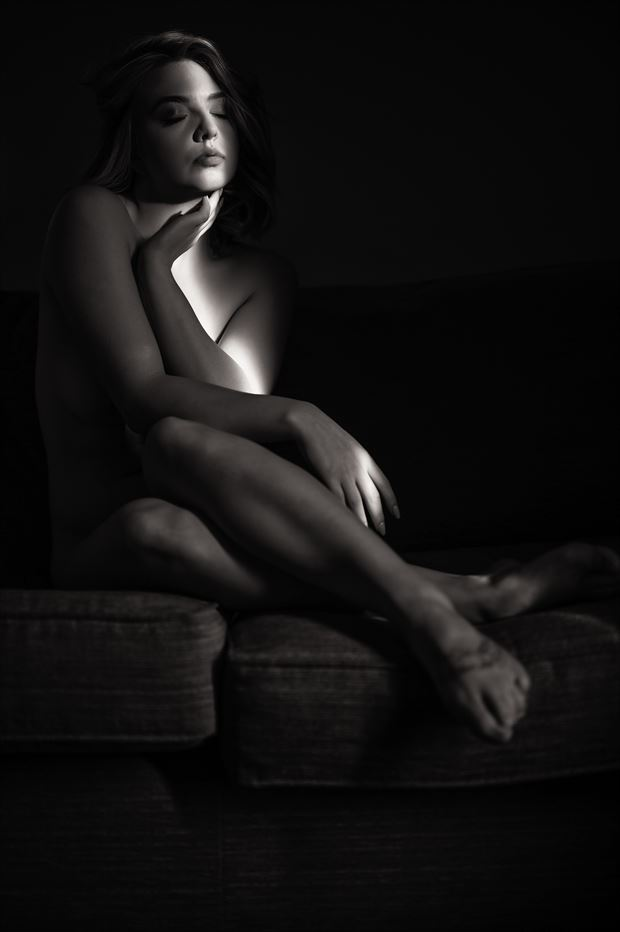 light will find a beauty artistic nude photo by photographer neilh