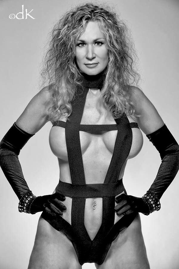 lingerie erotic photo by model sirsdarkstar