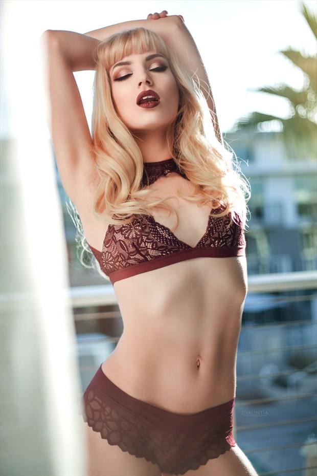 lingerie natural light photo by model shaun tia