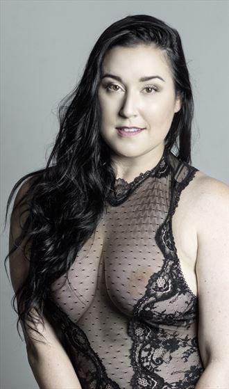 lingerie sensual photo by model sara tiara