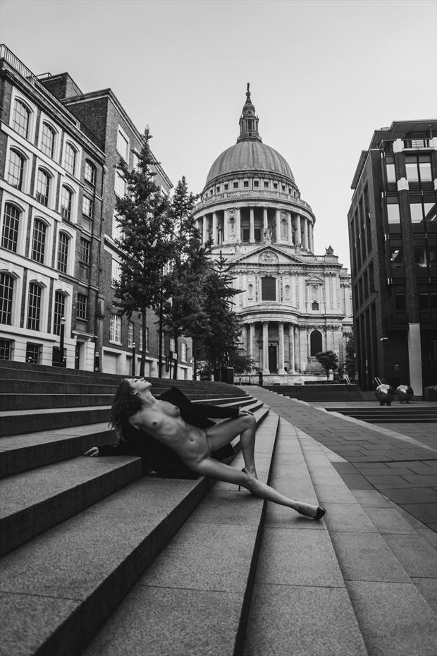 london calling by code cyrus 2018 artistic nude photo by model lucyartmodel