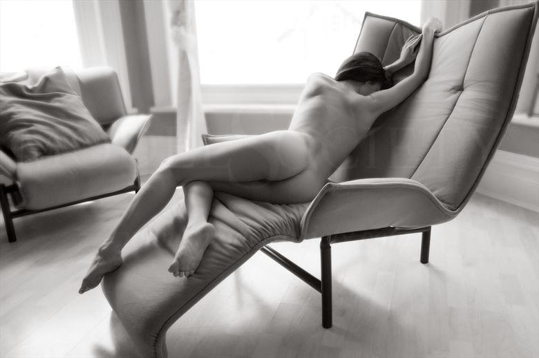 long and lovely artistic nude photo by photographer ian cartwright